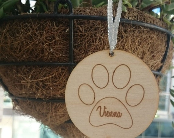 Personalized Dog Christmas Ornament with Name and Year