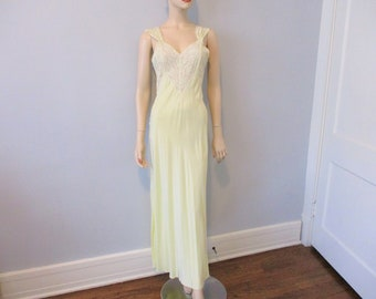 baa530d12 Bombshell Negligee Nightgown Vintage 1940s Yellow Rayon Lace Maxi Old Hollywood  Glam Ladye Helene
