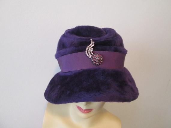 Cloche Hat Vintage 1940s Purple Plush Velour Rhin… - image 3