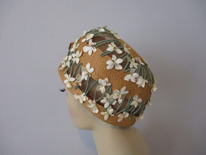 Vintage 1960s Does 1920s Flapper Cloche Hat Yellow Straw White Millinery Flowers Net Lace