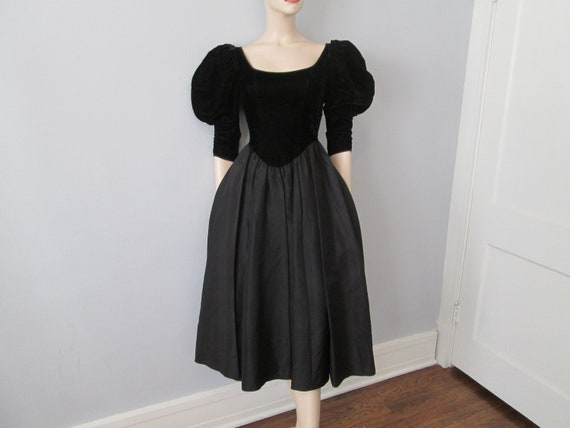 Vintage 1980s Party Prom Dress Black Velvet Acetat
