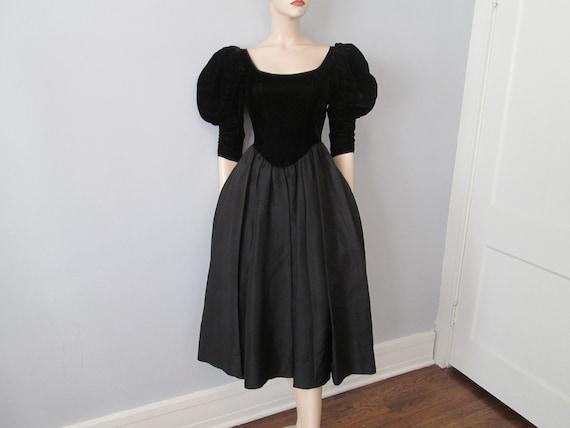 Vintage 1980s Party Prom Dress Black Velvet Aceta… - image 2