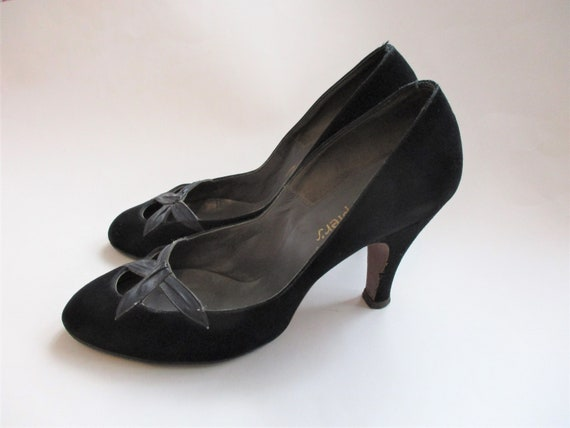 Vintage 1940s Pumps Heels Shoes Black Velvet