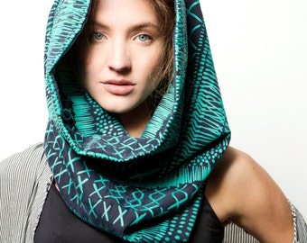 Handmade Infinity scarf, Screen printed mint green and dark Blue neck accessory, Handmade by Dikla Levsky