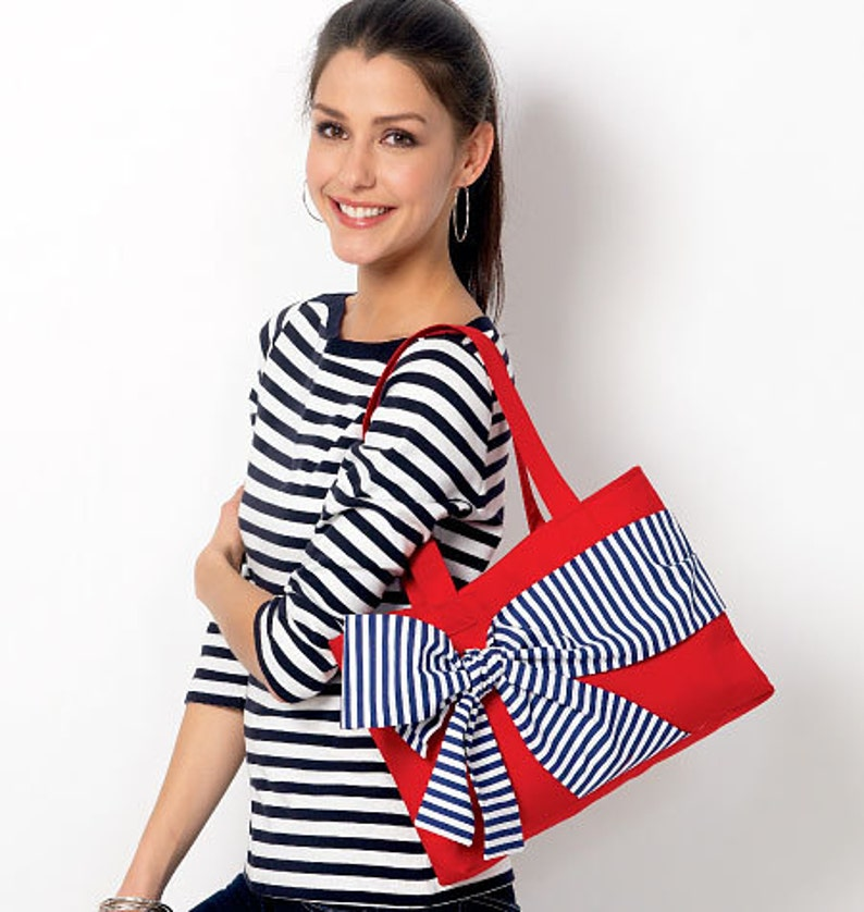 0ac41cd4544fc McCalls 6977   MP360 Bag Sewing Pattern