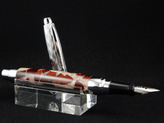Presimo Fountain Pen in Waste Wood in Dyed Resin