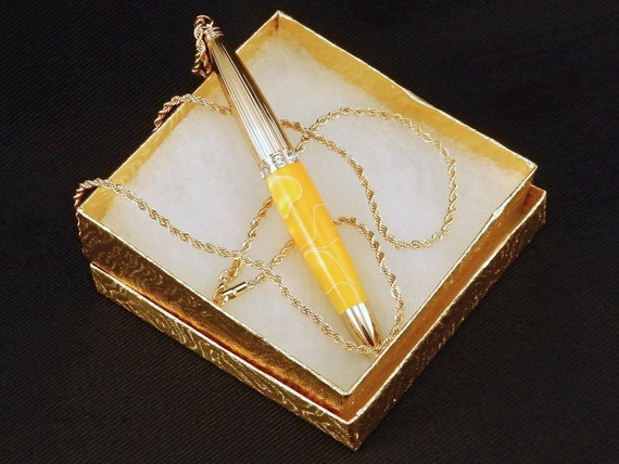 Pen Necklace in Lemon Yellow Swirl