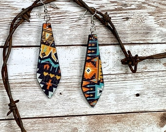 Leather crystal shaped earring