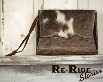 Cowhide Wristlet- Olive Reptile