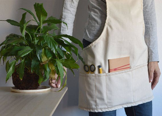SHORT GARDEN APRON Natural Cotton Color. Multiple Pockets. | Etsy