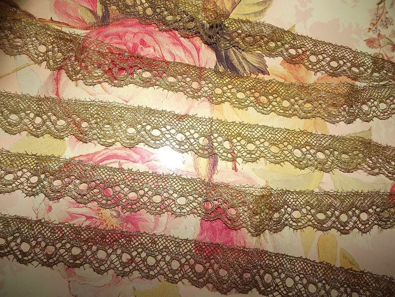 Antique Vintage Gold Metallic Scalloped Edging Lace Trim  592ac4119