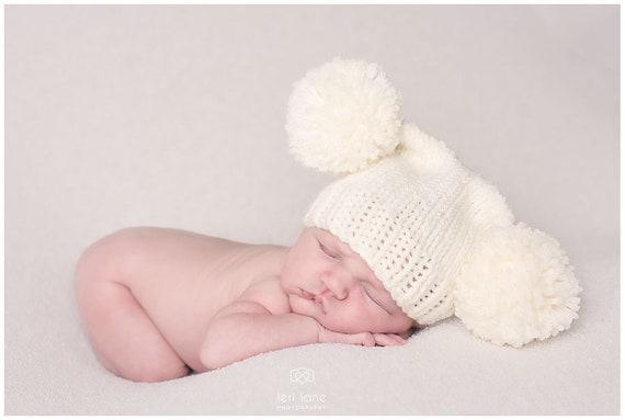 Nuevo Bebé Niños Hecho a Mano Azul Marino Doble POM POM Sombrero en tamaños recién nacido 12-24 meses