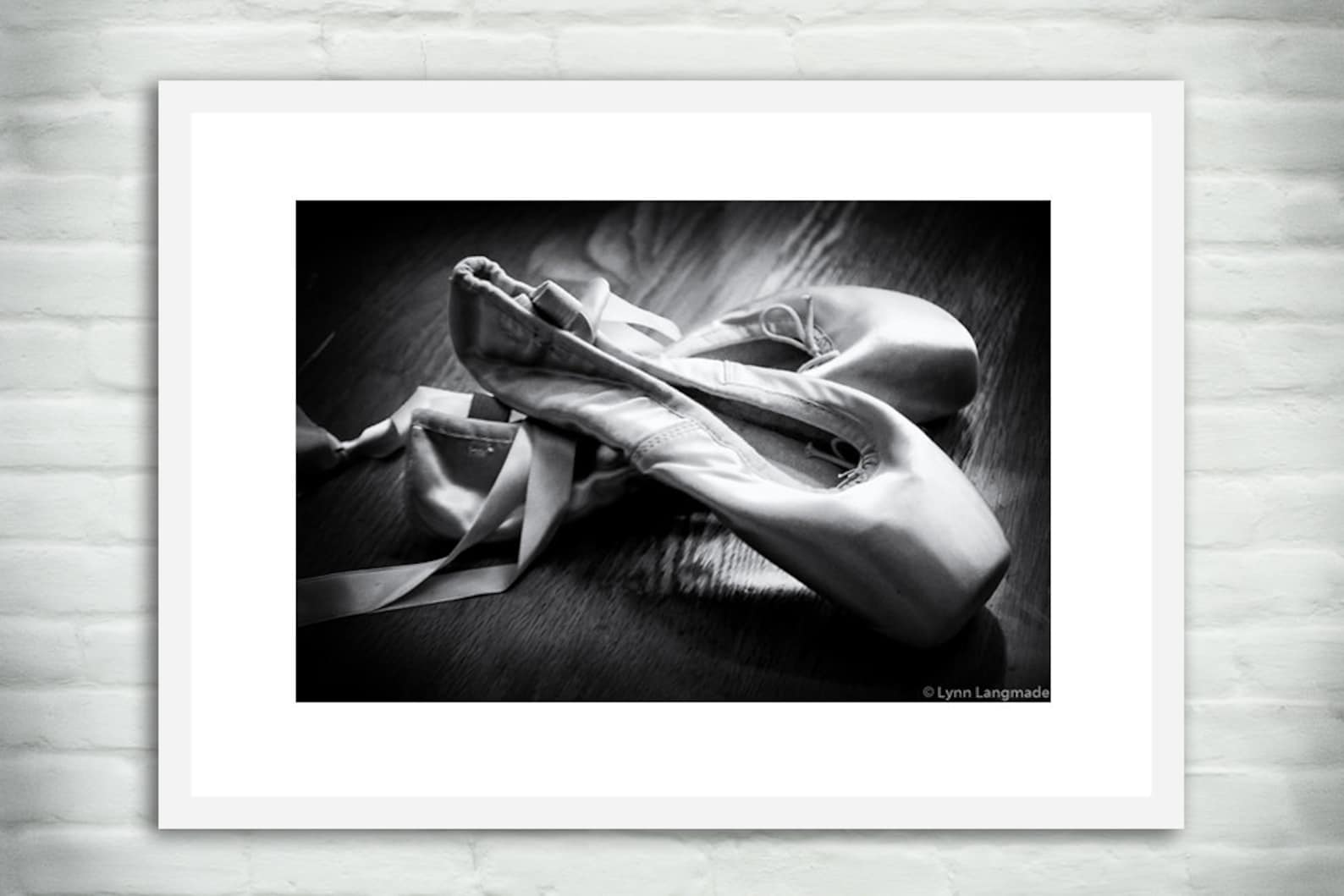 ballet prints - pointe shoes black and white 8x10 photo 11x14 large wall art 16x20 ballet art 5x7 ballerina dance photography &q