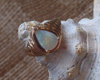 10K Gold Vintage Opal Ring (st - 927)