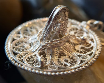 "Sterling Filigree Sombrero ""Mexico"" Brooch (st - 1219)"