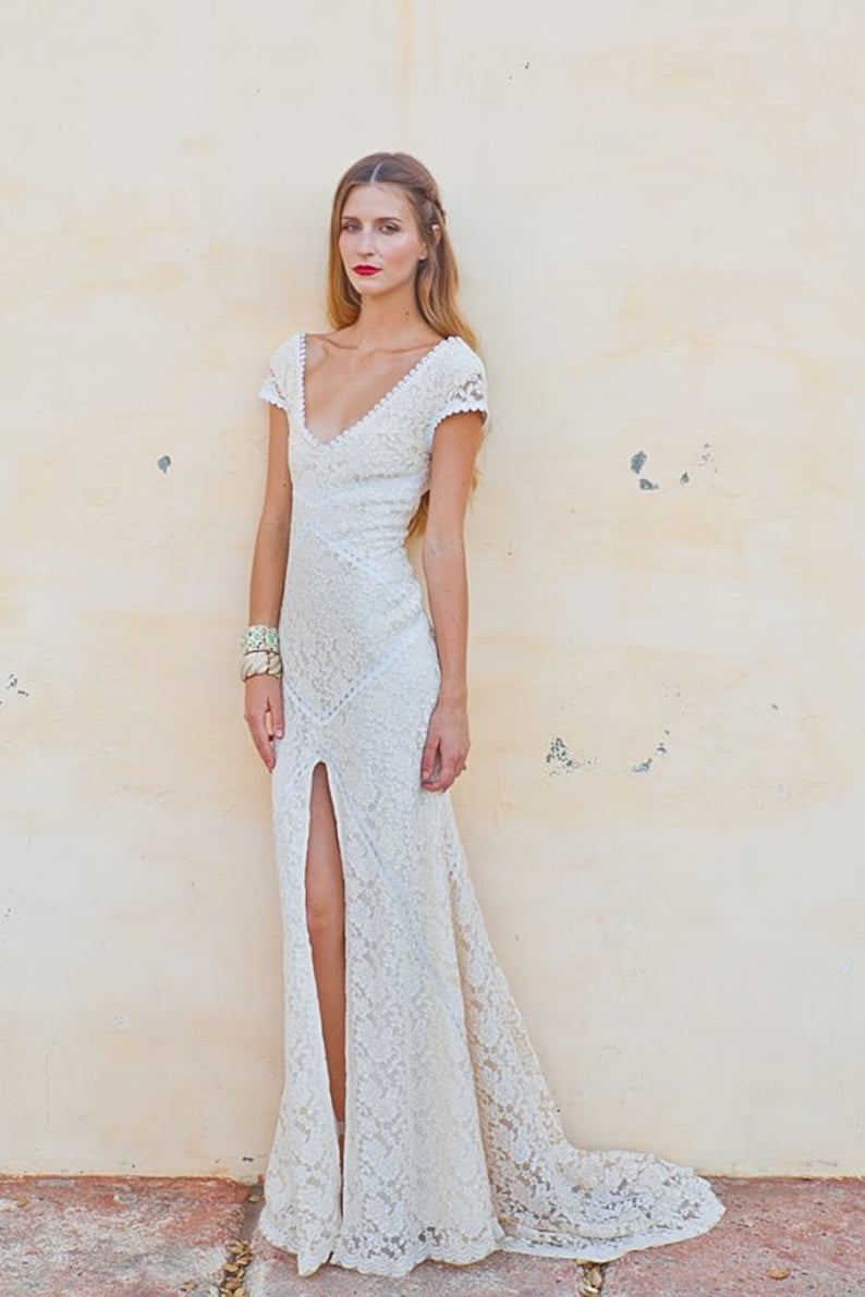 c74b57232cd Stretch Lace Bohemian Wedding Dress LACE GOWN with Train