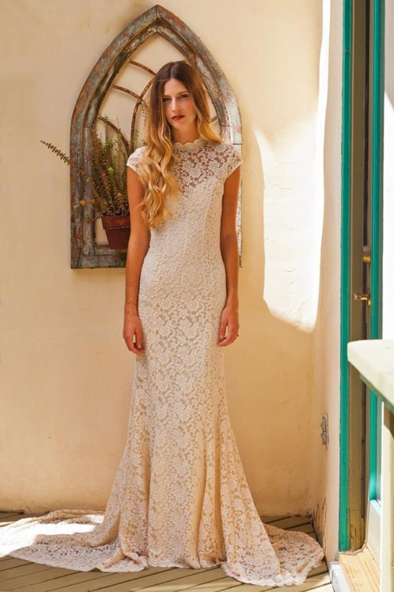 920e82dcab Simple Elegant LACE WEDDING DRESS w  Cap Sleeve. Sweetheart