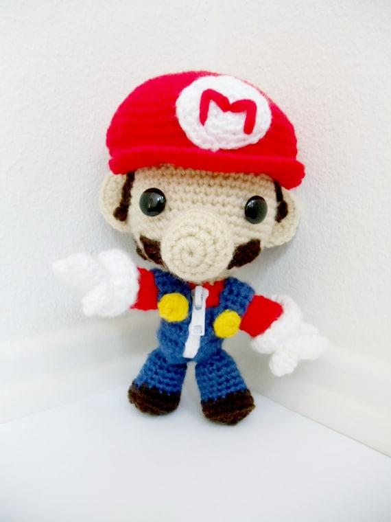 Artículos similares a Mario Bros.Sackboy Amigurumi (muñeco tejido al ...