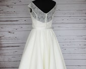 Ivory embroidered lace an...