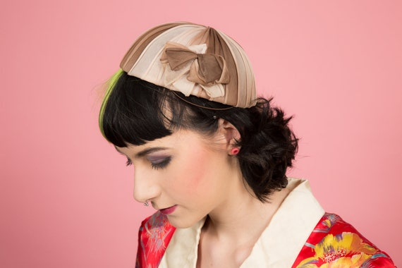 Ladies vintage ombre brown coloured pleated skull