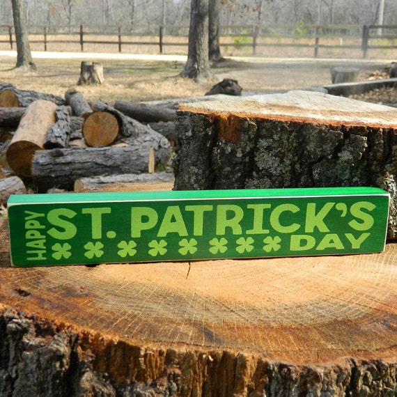Patrick/'s Day Wooden Shelf Sitter 6 Different Color Combinations! Happy St