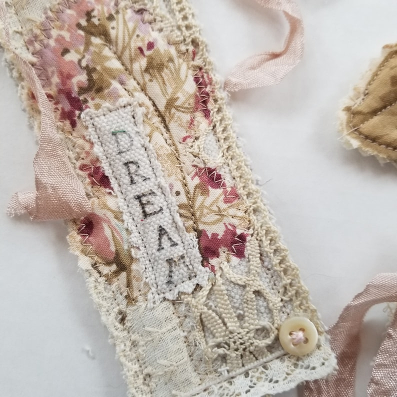Set of 5 Junk Journal Fabric Embellishments Padded Lace Applique Collage Off-White Mauve Journal Clusters