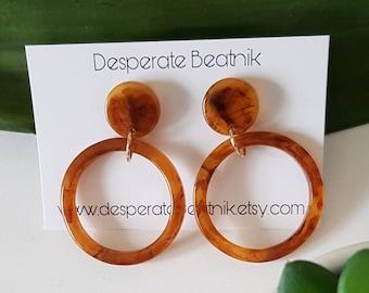 Midi Apple Juice Bakelite Style Hoops   Lucite Earrings   Retro Jewelry   Desperate Beatnik