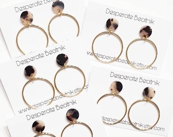 Audrey Midi Hoops Earrings   Tortoise Shell earrings   Gold tone plated   Desperate Beatnik   French Fashion   Retro Hoops   Minimalist  