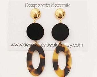Dainty Hoops Earrings   Tortoise Shell earrings   Gold tone plated   Desperate Beatnik   French Fashion   Retro Hoops   Minimalist  