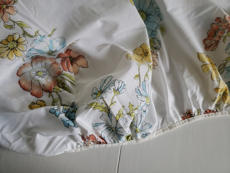 Vintage Wildflowers Twin Flat /& Fitted Sheet Set - Retro Cottage Floral Linens Cottagecore Bedroom Home Decor Fairy Tale Girls Room -