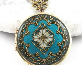 Vintage Teal Filigree Diamond Locket, Green Filigree Resin Locket, Photo Locket, Mothers Day Gift For Her,  Wedding Locket Picture Locket