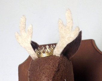 Crown add on for faux taxidermy animals in metal - gold or silver