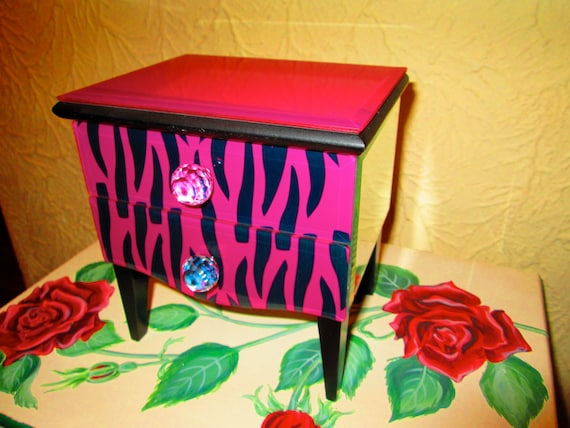 Jewelry box, jewelry storage, tabletop jewelry box