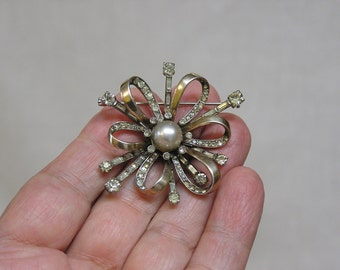 Amazing MAZER Sterling Silver Brooch with Silver Ribbon Loops Rhinestones and Faux Pearl Center