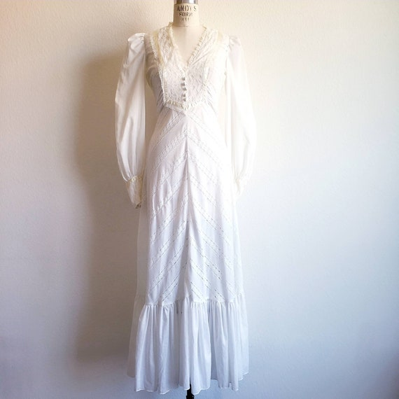 Vintage 70s Off White Maxi Prairie Wedding Dress G