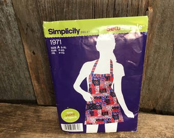 Simplicity pattern 1971 from 2011, uncut pattern, it's so easy it's simplicity, reversible apron pattern, easy for beginners sewing pattern