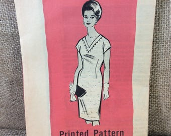 Vintage Marian Martin sewing pattern 9331, v neck dress pattern, simple elegant vintage pattern, vintage mail order sewing pattern