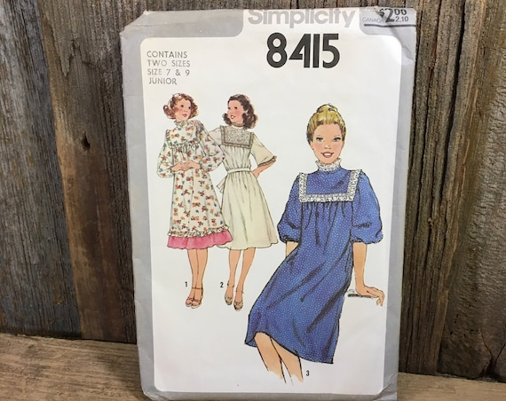 Vintage Simplicity uncut pattern 8415, Simplicity Junior sewing pattern, vintage junior and misses dresses,1978 sewing pattern,girls pattern
