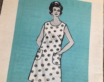 Vintage Marian Martin sewing pattern 9074 shift dress pattern from the 1970's, mail order vintage pattern, super mail order pattern