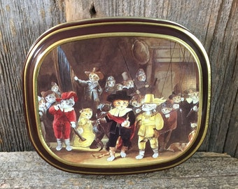 Bentley's of London The Cats Gallery The Night Watch tin, tin collectable, 1990 Thames & Hudson, vintage cat tin, cat collectible, cat lover