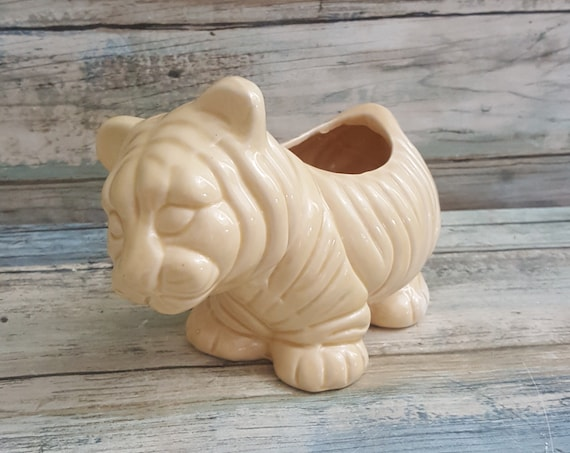 Vintage Dept 56 planter, lion cub planter, dept 56 lion cub planter, cream lion cub planter, baby lion planter, Dept 56 collectible