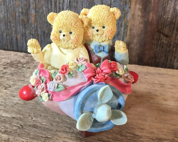 Country Cubs bear figurines, bride and groom bear figurines, bride and groom airplane figurine, wedding cake topper for the pilot,