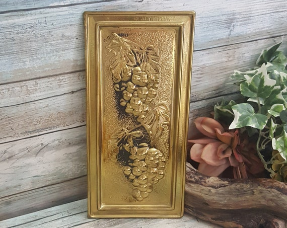 Vintage Elpec made in England grape brass wall plaque, vintage brass grape decor, grape decor, brass grape wall art, old time grape decor