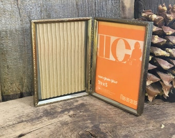 Gold double sided 3.5 x 5 vintage picture frame, Beautiful IICo designed hinged picture frame, Vintage gold frame, Vintage desk frame