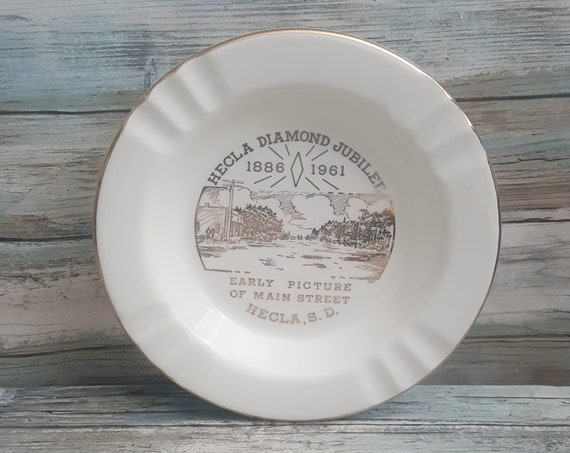 Vintage South Dakota ashtray, The Sabina Line 22 K rim, Hecla South Dakota ashtray, Hecla Diamond Jubilee memorabilia, 1961 ashtray
