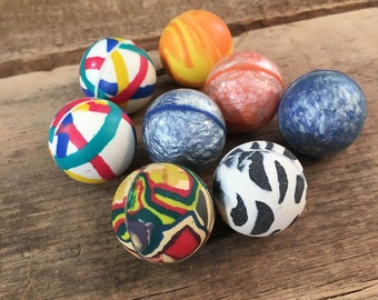Lot fo eight vintage small bouncy balls, vending machine toys, tiny bouncy balls, multi colored bouncing ball lot, psychedelic bouncing ball