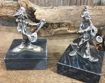 Vintage pair of pewter clowns, vintage pewter clowns on marbles bases, clowns playing musical instruments, clown figurines, clown decor