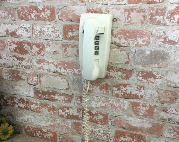 Vintage push button wall phone, Bell South push button phone, vintage phone prop, vintage push button wall phone,Bell South Model 2554 phone