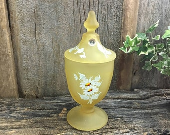 Westmoreland yellow frosted glass Daisy covered candy dish, flowered glass candy dish,Westmoreland mist Daisy covered candy dishyellow decor