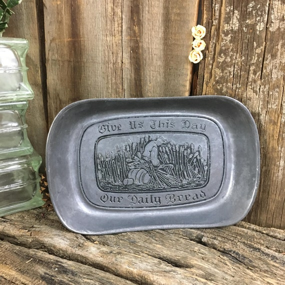 Wilton metal bread warmer, vintage bread warmer, Give us this day Our daily bread,vintage Wilton Mount Joy metal bread warmer, country decor